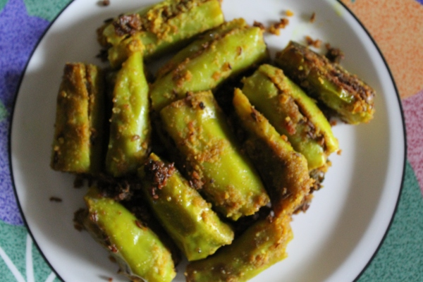 Besan ki Bharwa Mirchi-  Stuffed Green Chillies
